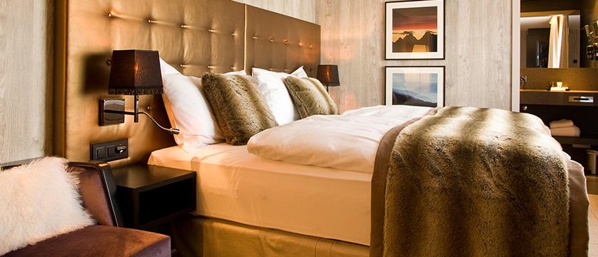 Switzerland_Davos_Hotel_Grischa_bedroom3.jpg